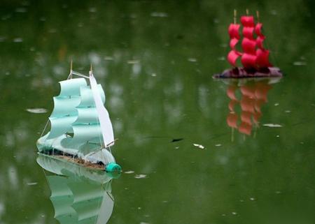 корабль из пластиковой бутылки