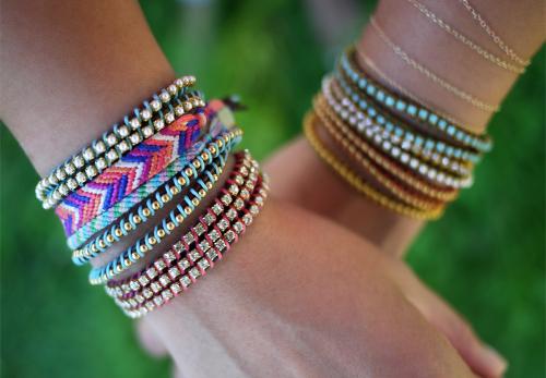 Простой красивый браслет своими руками из