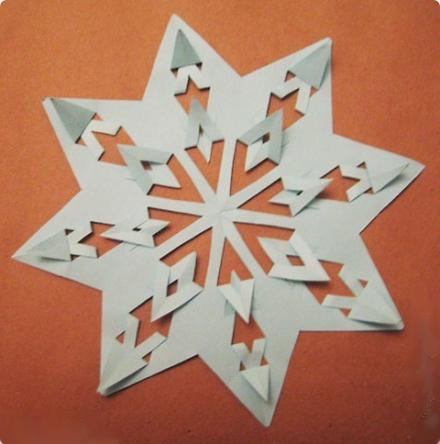 Бумажные снежинки. Как вырезать снежинки из бумаги. МЕГАПОСТ))