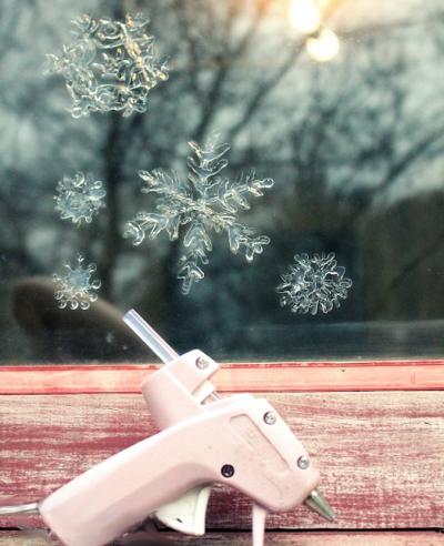 украсить окно к Новому году