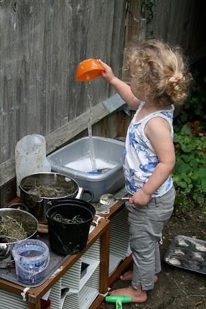 чем занять ребенка на даче