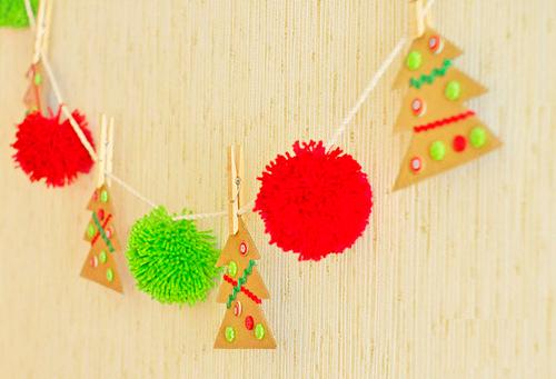 Новогодние гирлянды из снежинок из бумаги своими